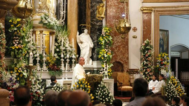 La Basílica, decorada por el gremio de floristas