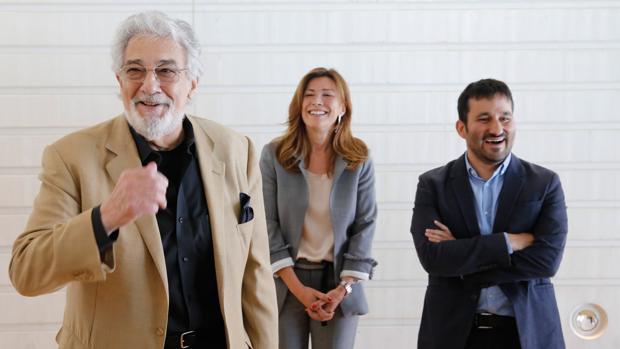 Plácido Domingo, Susana Lloret y Vicent Marzà, este jueves en el Palau de les Arts de Valencia