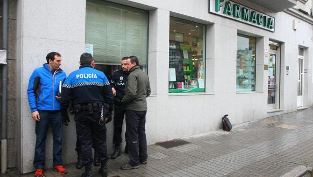 Agentes de policía en el barrio de Flores del Sil durante un incidente en una imagen de archivo