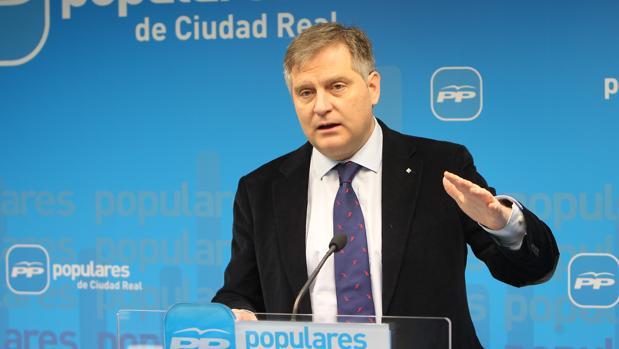 El portavoz del PP en las Cortes, Francisco Cañizares