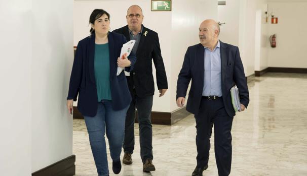 Los nacionalistas Jone Berriozabal, y Joseba Egibar (c) e Iñigo Iturrate