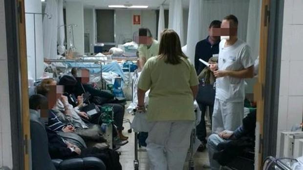 Imagen de las urgencias colapsadas de un centro sanitario catalán