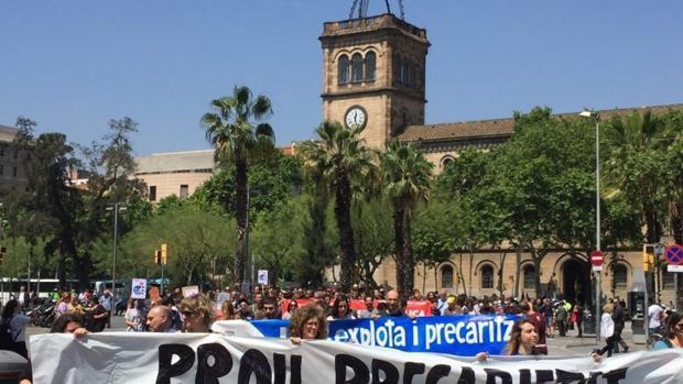 Sindicatos cifran entre el 50% y 80% el seguimiento de la huelga de profesores en la Universidad de Barcelona