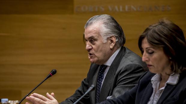 Luis Bárcenas en Les Corts Valencianes