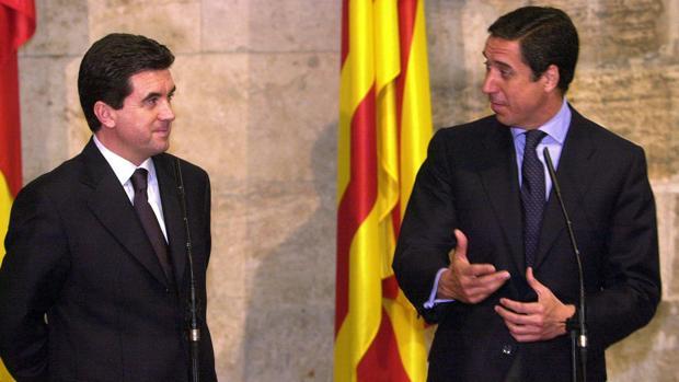 Imagen de Matas y Zaplana tomada en marzo de 2001 en el Palau de la Generalitat