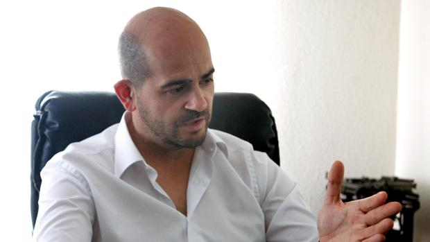 Imagen de Augusto Zafra tomada durante la entrevista