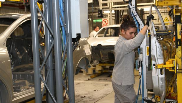 Cadena de montaje en la fábrica de Villamuriel de Cerrato (Palencia)