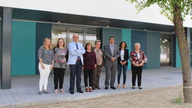 El delegado de la Junta en Toledo durante una visita al CEIP «Pedro Melendo García«, de Olías del Rey