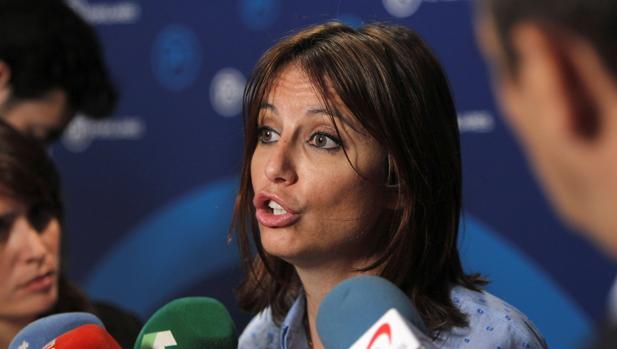 La vicesecretaria de Estudios y Programas del PP, Andrea Levy, en declaraciones a los medios en Génova