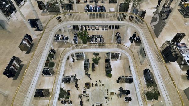 Tienda Zara en el Palazzo Booconi, en la arteria comercial romana de Via del Corso