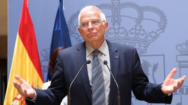Borrell subraya que el gran problema que afecta a España es el de la integridad territorial