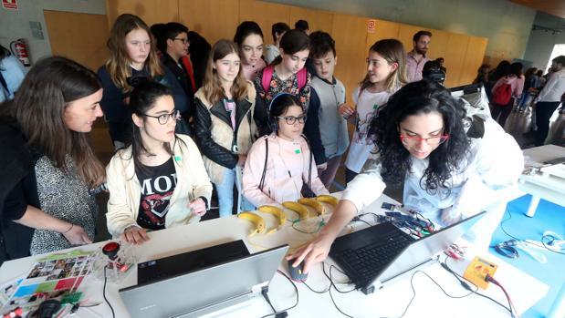 Alumnos gallegos el pasado mes de abril en la feria STEMLab celebrada en Santiago