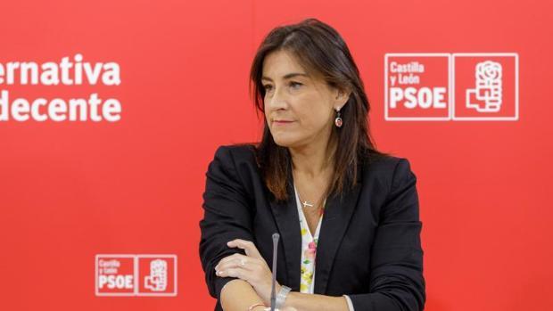 La secretaria de organización del PSCL, Ana Sánchez, este pasado lunes durante su comparecencia ante los medios