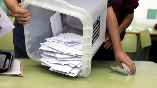 Las urnas blancas del referéndum del 1-O son un símbolo del independentismo