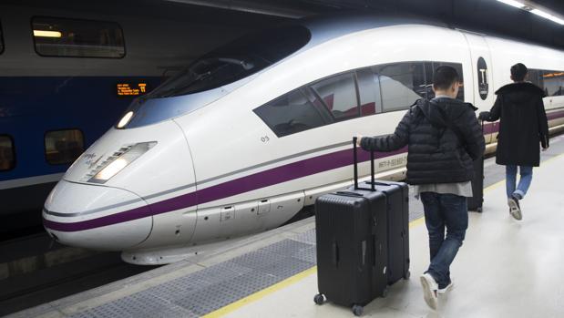 Las afecciones se han extendido también a los trenes con parada en Zaragoza