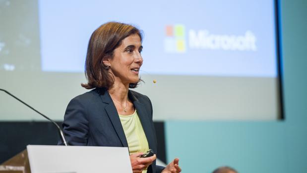 Pilar López, presidenta de Microsoft España, en un encuentro sobre economía digital