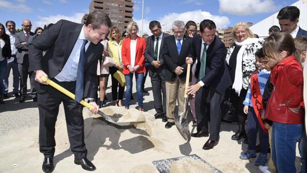 Page pone la primera piedra del nuevo colegio del Quiñón en Seseña