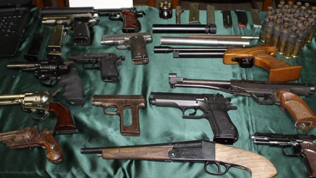Parte del armamento intervenido por la Guardia Civil en una vivienda de Garrapinillos (Zaragoza)