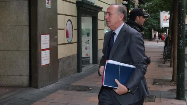 Fernández de Sousa acudiendo a declarar en la Audiencia Nacional