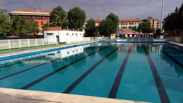 Las cinco piscinas municipales de toledo abren sus puertas for Cuando abren las piscinas en madrid