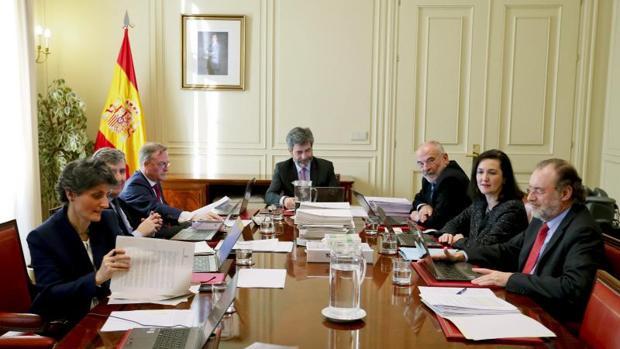 Reunión de la Comisión Permanente del CGPJ presidida por Carlos Lesmes