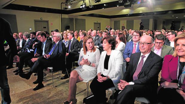 El vacío de liderazgo en el PP alienta las candidaturas  de segundos espadas