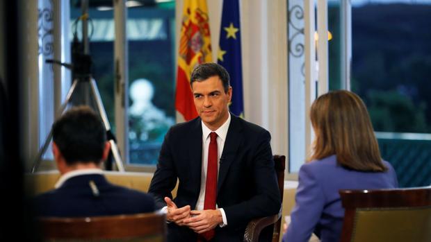 Pedro Sánchez, anoche, durante su entrevista en TVE