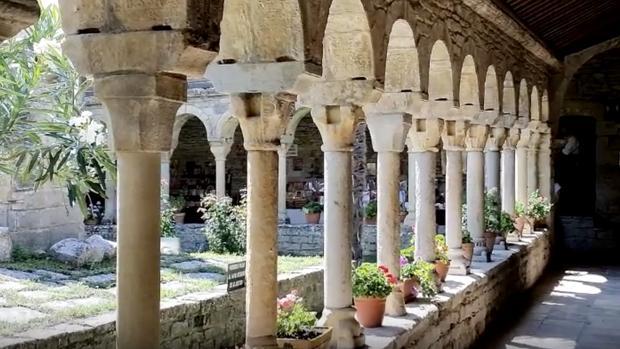 Detalle del claustro de esta antigua catedral oscense