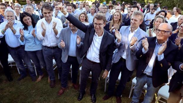 Feijóo dice «no» a liderar el PP y deja más abierta la carrera por la sucesión