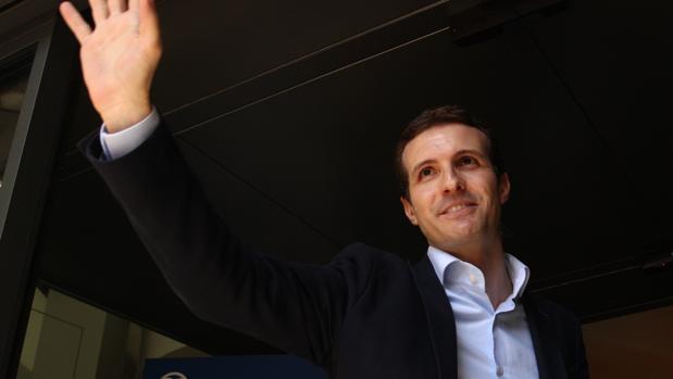 El vicesecretario de comunicación del PP, Pablo Casado, tras anunciar su candidatura