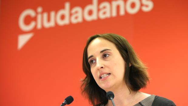 Pilar Vicente: «El insulto y el sectarismo son la forma de comportarse de Puente»
