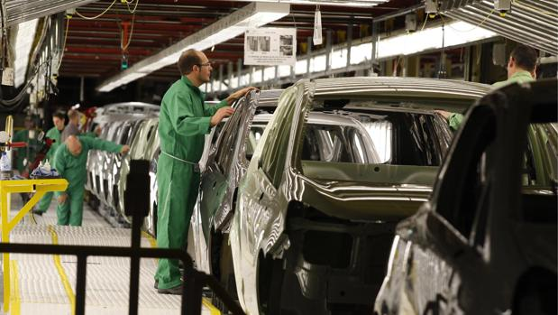 La automoción es el sector que más aporta al comercio exterior aragonés