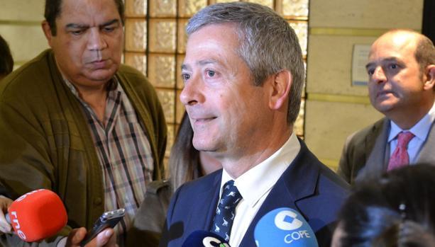 Agustín Manrique de Lara tras un encuentro con Juan Cardona en la primavera de 2018