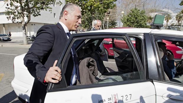 Enrique Crespo, en una imagen de archivo a la salida de la Ciudad de la Justicia de Valencia