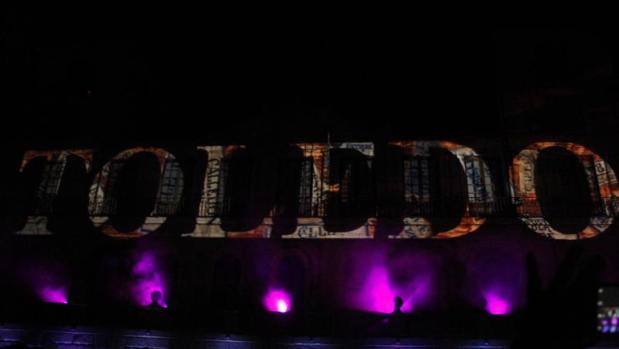 Hasta la fecha, el espectáculo Luz Toledo se ha venido celebrando en la plaza del Ayuntamiento