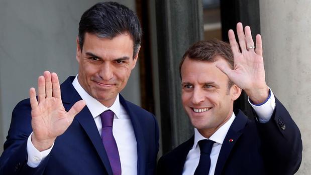Pedro Sánchez y Emmanuel Macron, en su primer encuentro en París
