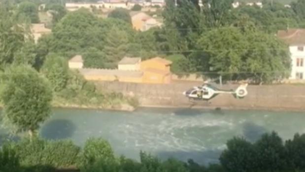 Un helicóptero de la Guardia Civil, durante los rastreos