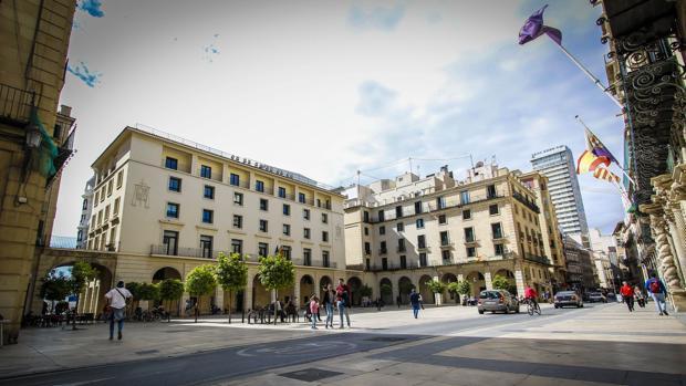 Fachada de la Audiencia de Alicante