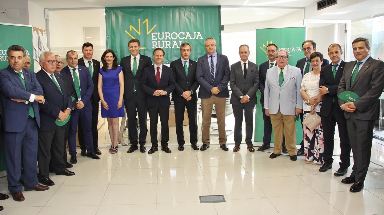 Eurocaja rural inaugura su primera oficina en alicante for Oficina registro comunidad de madrid