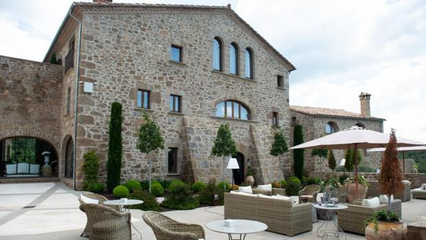 El edificio de La Vella Farga, un pequeño hotel de 13 habitaciones en Lladurs (Lleida), data del siglo XI