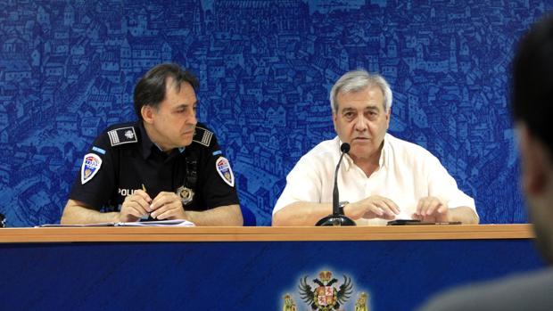 El jefe de Policía Local junto al concejal de Movilidad del Ayuntamiento de Toledo
