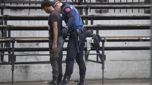 El detenido no tenía licencia para manipular el equipo electrónico que se le encontró