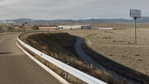 Vía de acceso al polígono Entreviñas desde la Autovía Zaragoza-Teruel