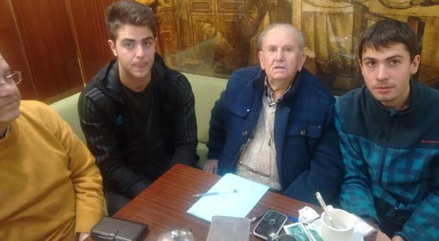 Raúl Torres en la tertulia del café Ruiz