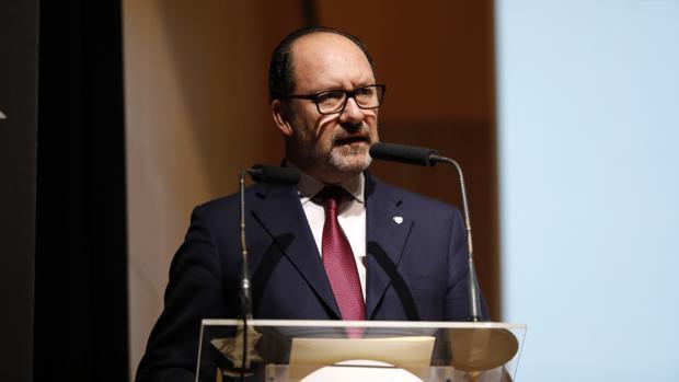 Emilio Bascuñana, alcalde de Orihuela, en una imagen de archivo