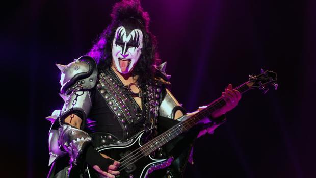 El bajista y vocalista de la banda Kiss, Gene Simmons, en un concierto en Portugal