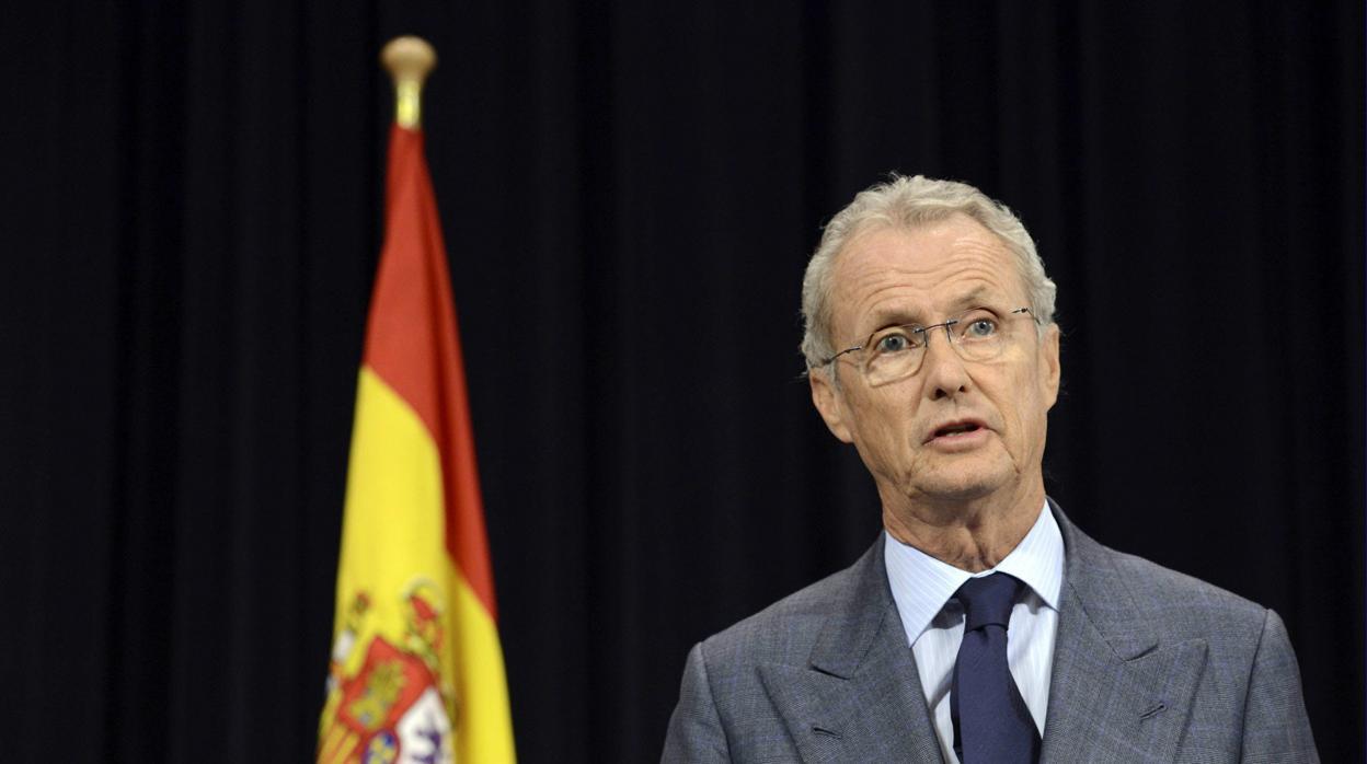 Exteriores confirma que relevará a los embajadores Morenés y Moragas