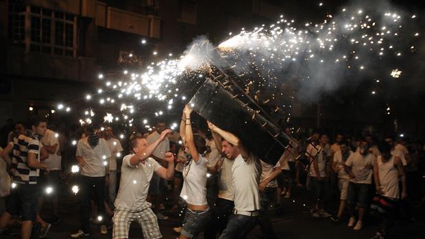 Toro de fuego en la fiesta de La Pandorga