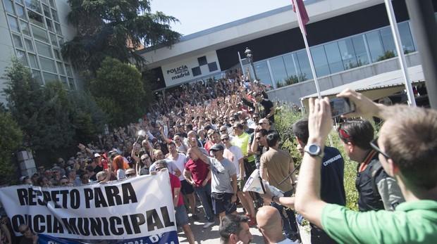 Protesta de la Policía Municipal en la Jefatura