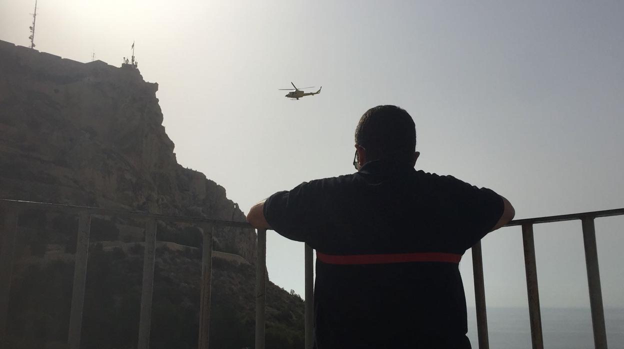 Rescatan a un hombre herido grave en el Castillo de Santa Bárbara